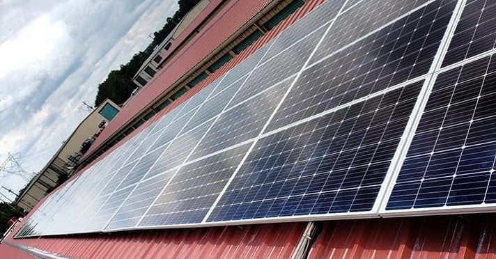 Seal Solar Installs Panels For First Solar Powered Storage